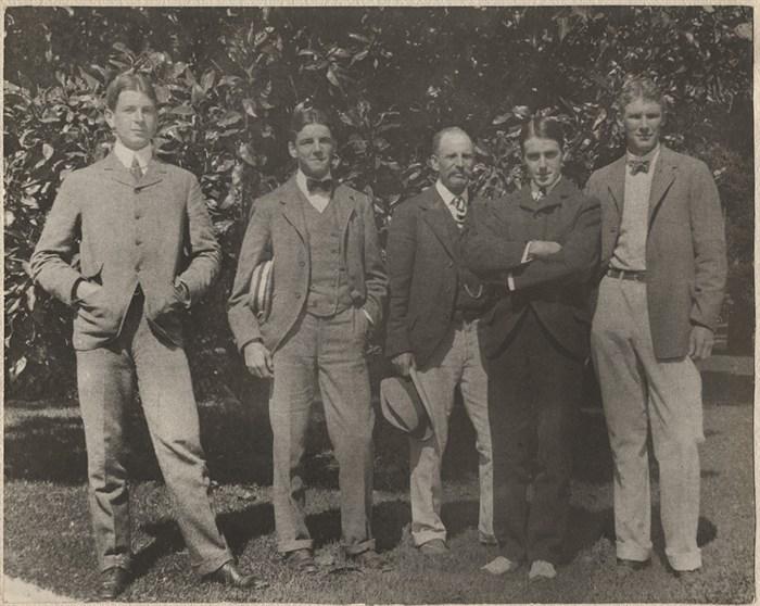 Septiembre de 1899 en Del Monte, C.A. Dwight Davis (a la izquierda) fue el que ideó la competencia.